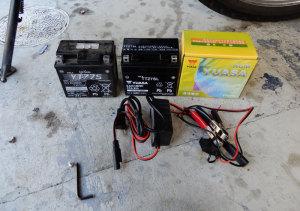 CB400SSバッテリ交換